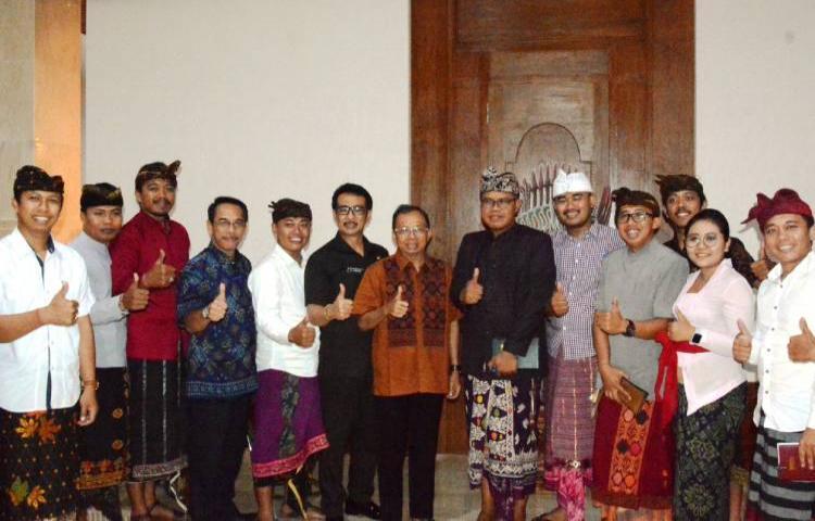 Ciptakan SDM Unggul, Gubernur Koster Tingkatkan Peran Penyuluh Bahasa Bali