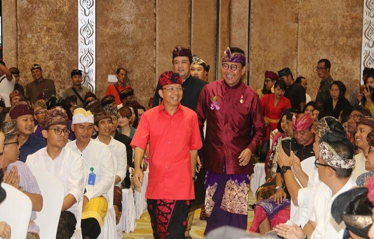 Gathering Gubernur dan Wakil Gubernur Bali Dengan Pelaku Pariwisata, Agar Bali Bertahan, Sisi Niskala dan Makna 'Island of God' Harus Terjaga