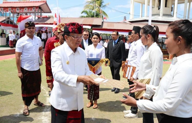 Gubernur-Koster-Remisi-Sebagai-Hak-dan-Apresiasi-Warga-Binaan.html