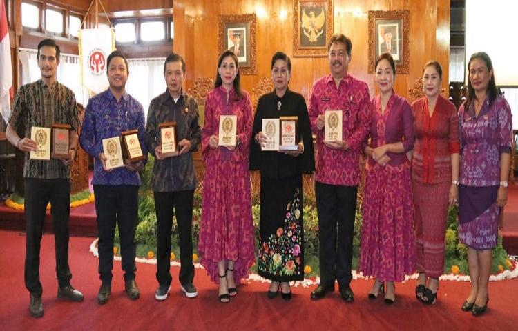 Ny Putri Koster Dorong Digitalisasi Pemasaran Hasil Kerajinan