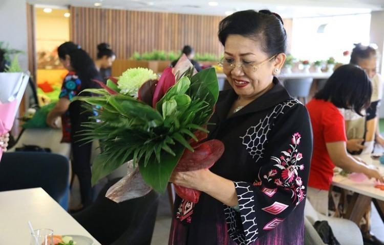 Ny. Putri Koster Ingin Keharuman Bunga Lokal Bali Mendunia