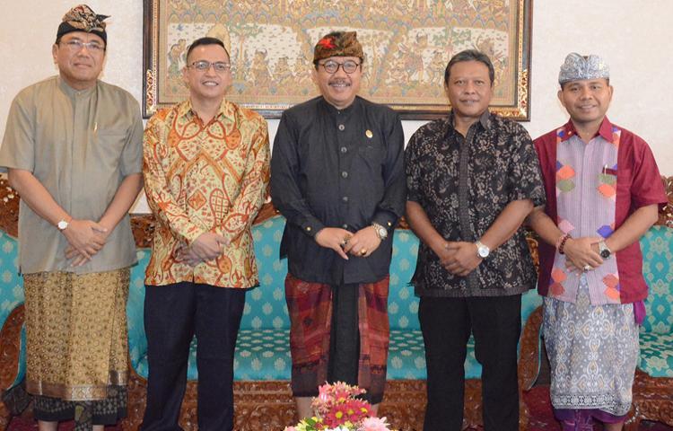 Wagub Cok Ace Dukung Rencana Pelaksanaan Charity Tournament Golf 2019 di Bali.